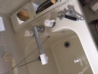 浜松市 台所蛇口水漏れ修理